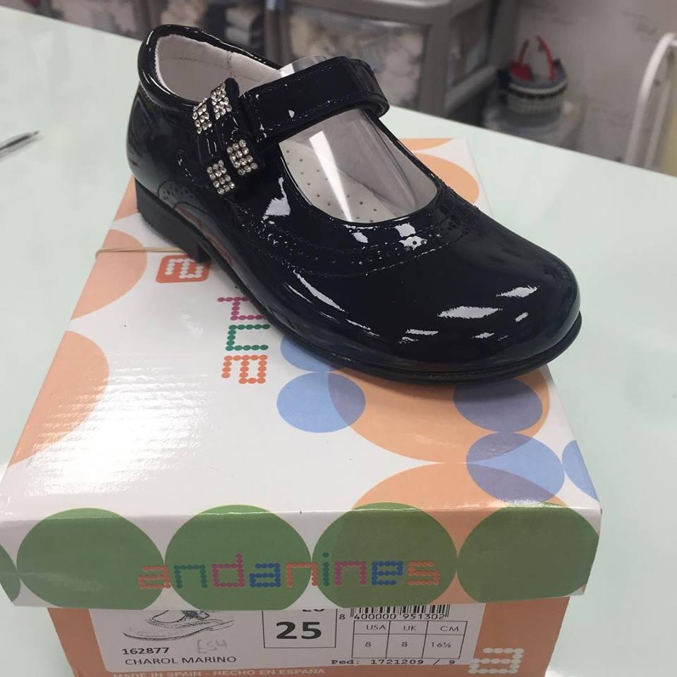 Andanines Girls Navy Patent Shoe
